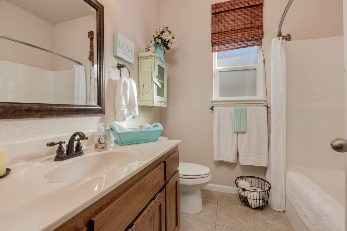 11-Hall-bathroon-_1287-Wanderer-Lane.