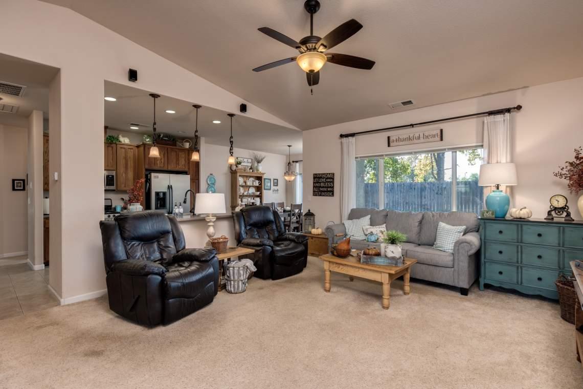 3-Living-room-1-_1287-Wanderer-Lane.