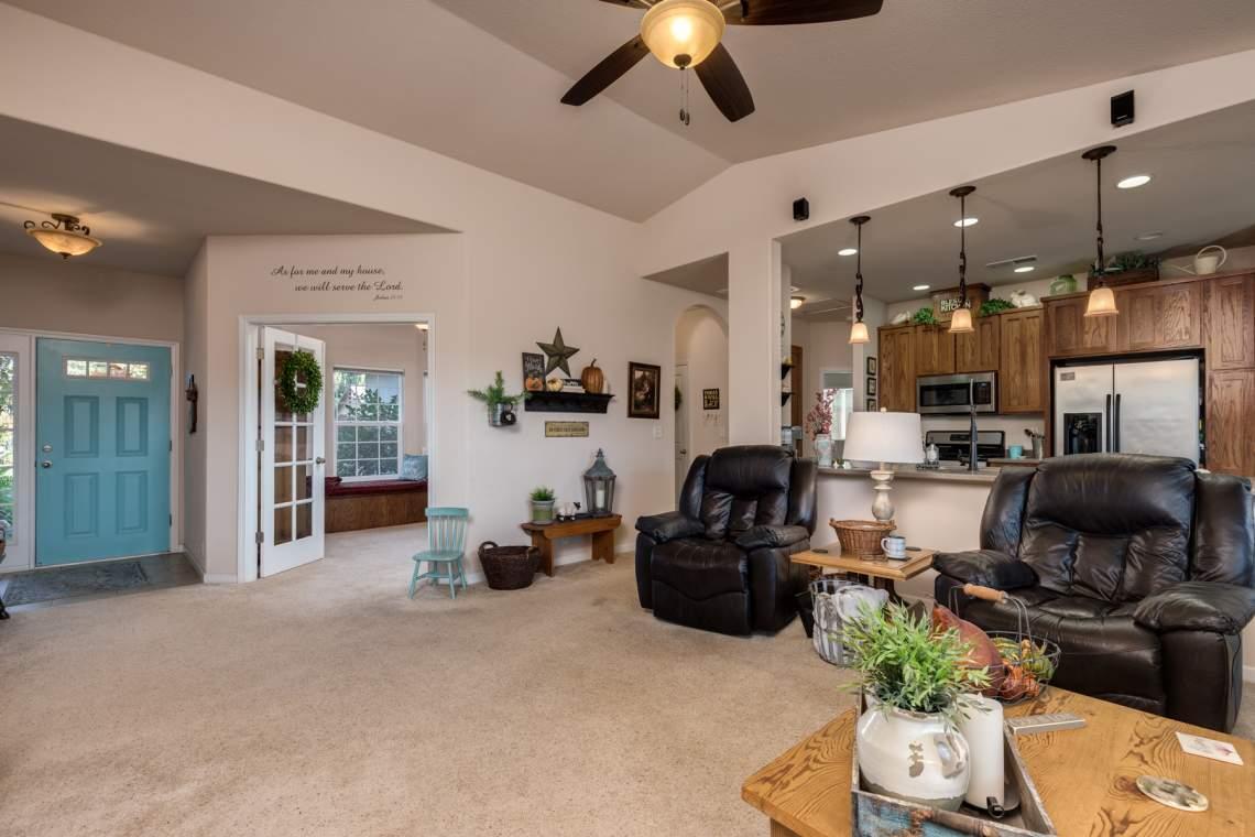 6-Living-room-4-_1287-Wanderer-Lane.