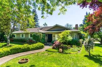 SOLD!    Delightful home in one of Chico's most desirable neighborhoods!    1707 Estates Way.   Chico, CA   $615,000