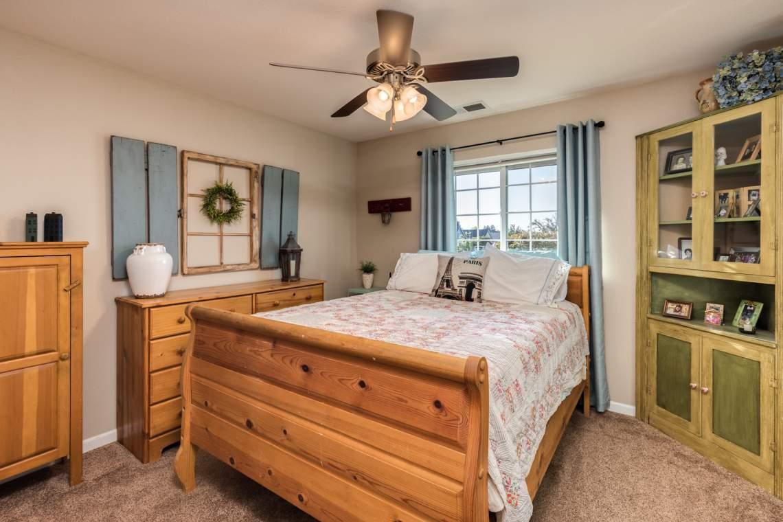 11-Bedroom-2-_2767-Swallowtail-Way