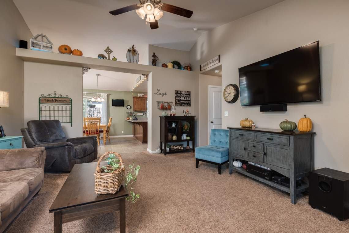 3-Living-room-_2767-Swallowtail-Way