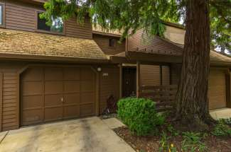 Sold!   Breathtaking LAKE VIEW!!     2903 Pennyroyal Drive   Chico, CA   $268,000