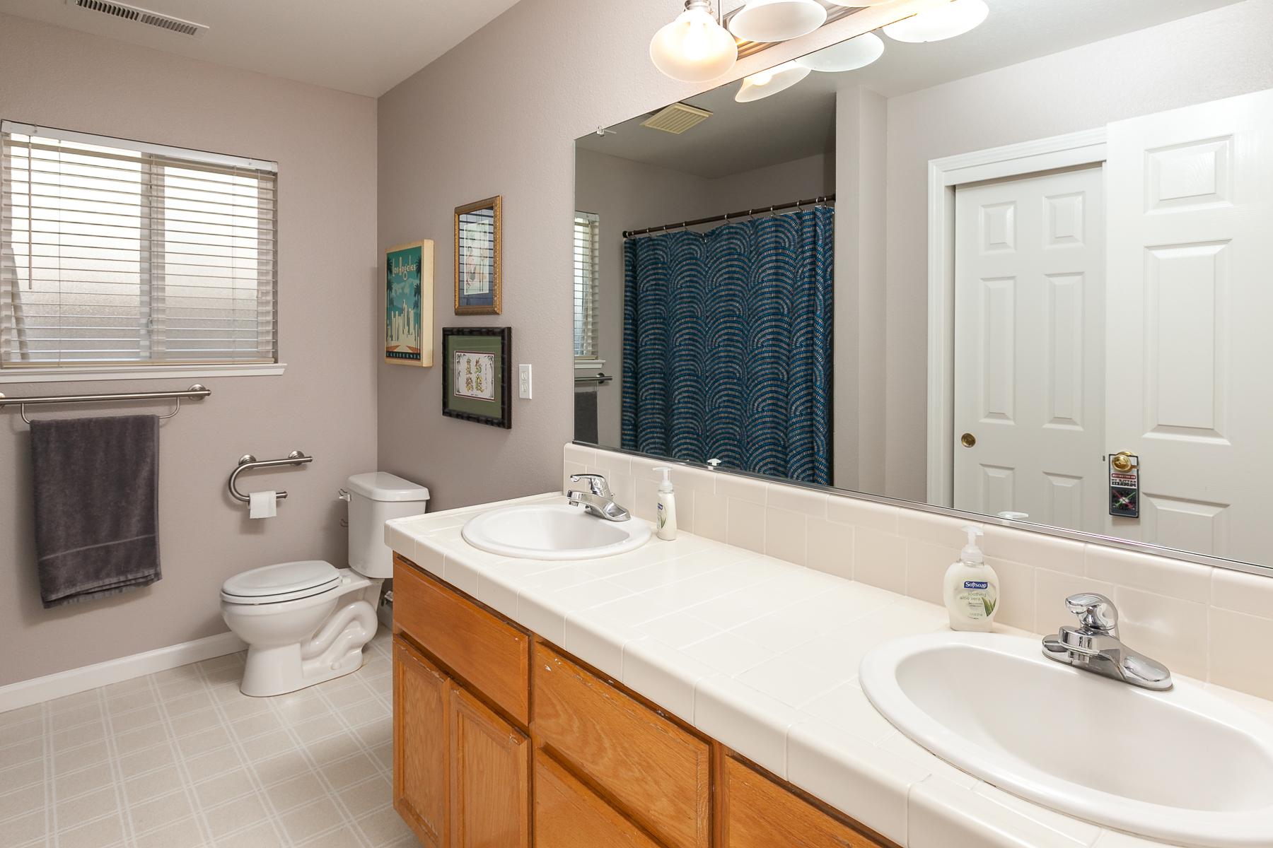 Bathroom 2 - 359 Mill Creek