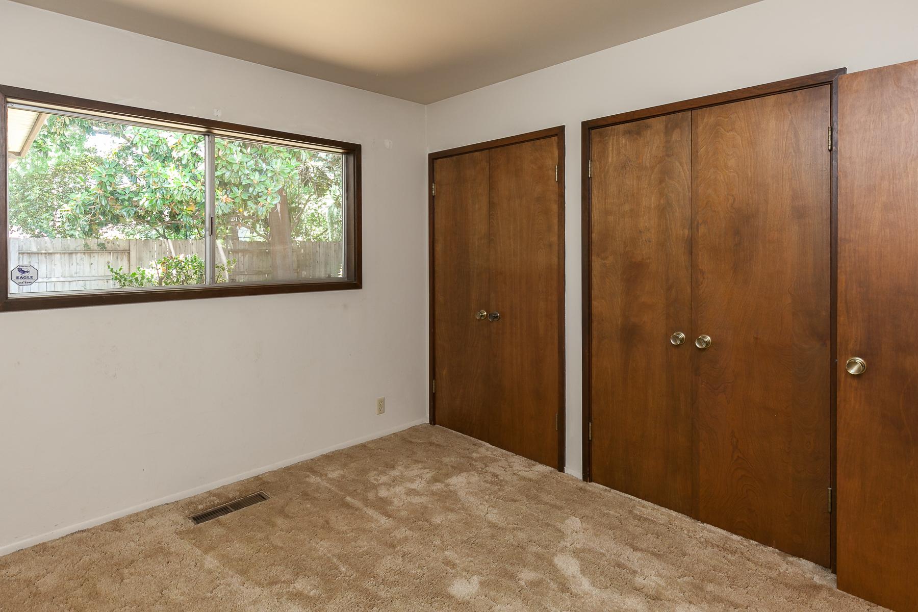 Bedroom 2 - 398 E Washington
