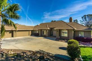 Sold! | Classy Home on 1 Acre in The Gated Canyon Oaks Golf Course Community! | 4 Woodstone Lane. | Chico, CA | $880,000