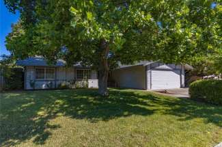 SOLD! | LARGE fenced yard, culdesac location in North Chico! | 729 Waterford Drive. | Chico, CA | $378,000